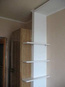 Шкаф в маленькой комнате