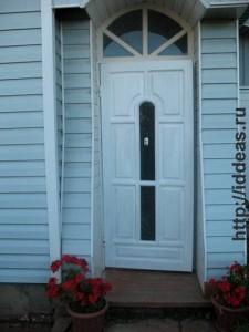 входная дверь в собственном доме