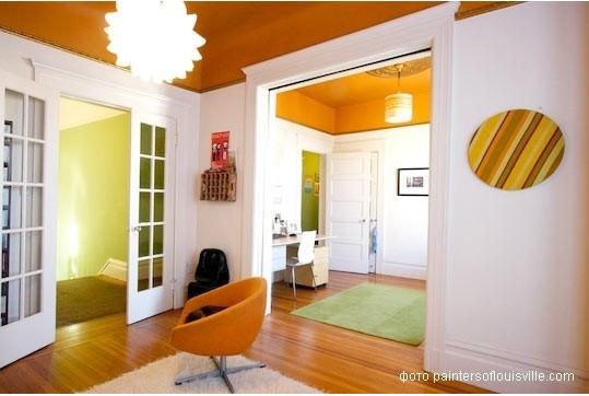 покрасьте потолок