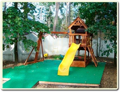 покрытие детской площадки