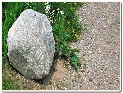 камень необычной формы