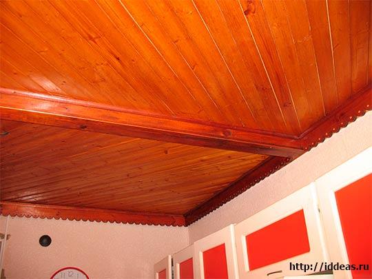 потолки в стиле кантри