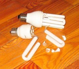 Что делать разбил лампу энергосберегающую