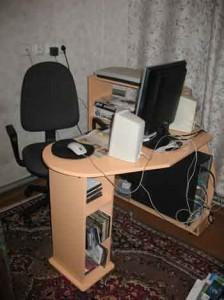 Компьютерный стол делаем своими руками