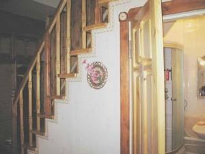 ваннная комната под лестницей