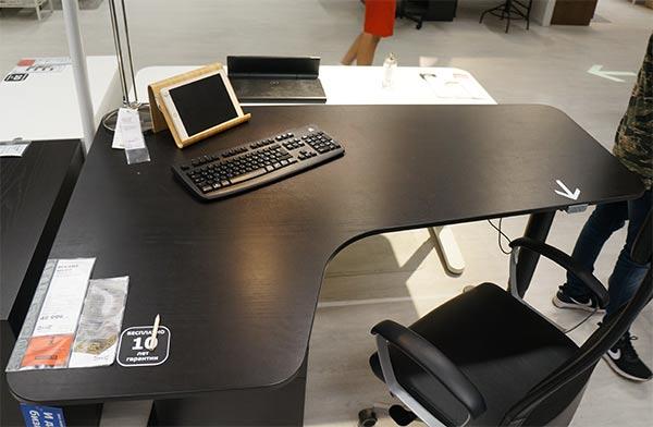 компьютерный стол из IKEA
