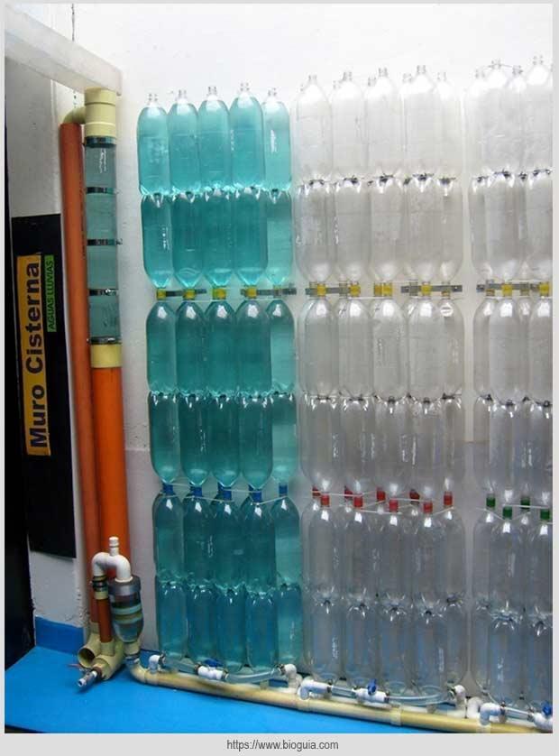 конструкция из пластиковых бутылок