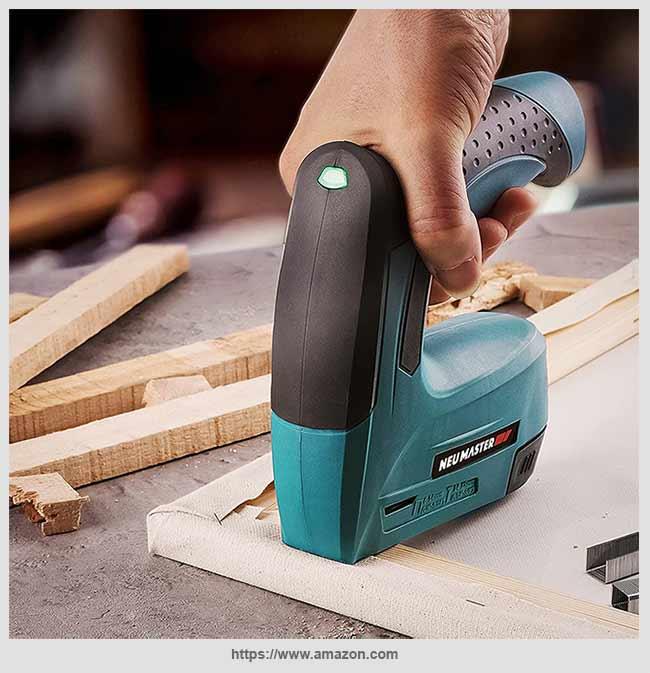 аккумуляторный степлер